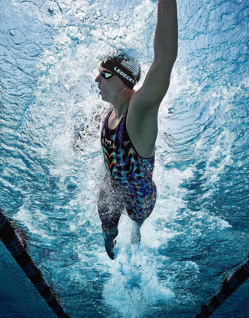 Supporting Professional Swimmers with the TYR Venzo™ Swimsuit