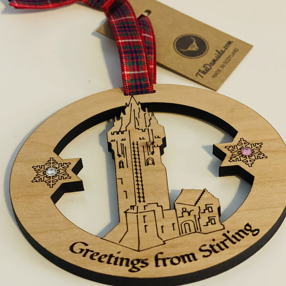 GREETINGS FROM STIRLING WALLACE MONUMENT BAUBLE : The damside