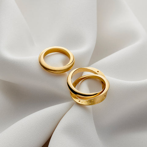 Mobius Infinity Personalised Yellow Gold Wedding Bands