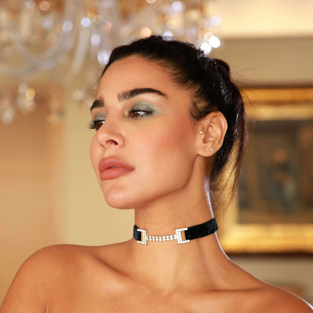 T-Linked Velvet Choker
