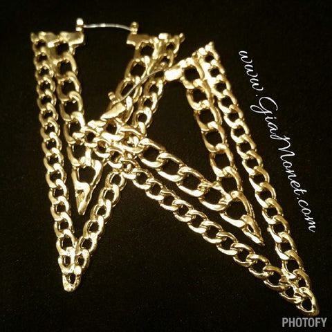Triangle chain link hoop