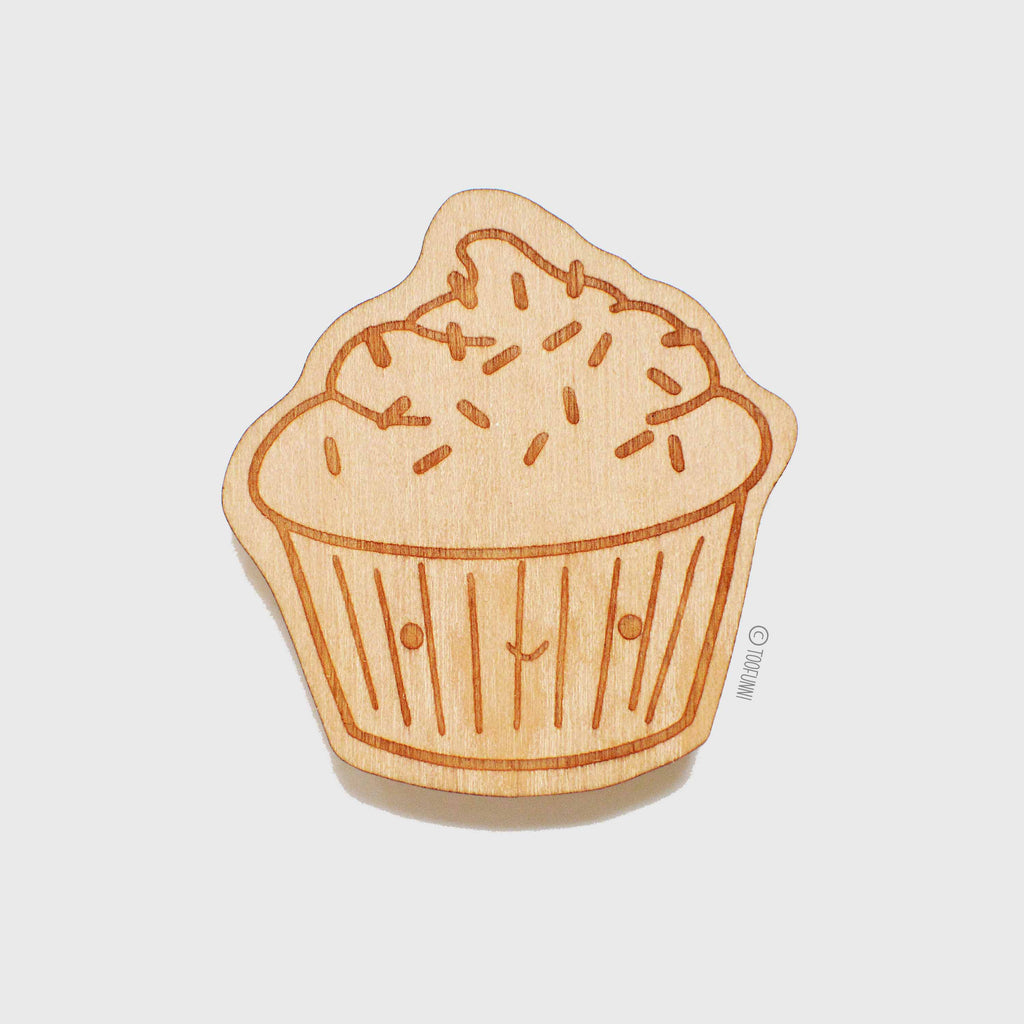 CUPCAKE - Wood Keychain or Magnet