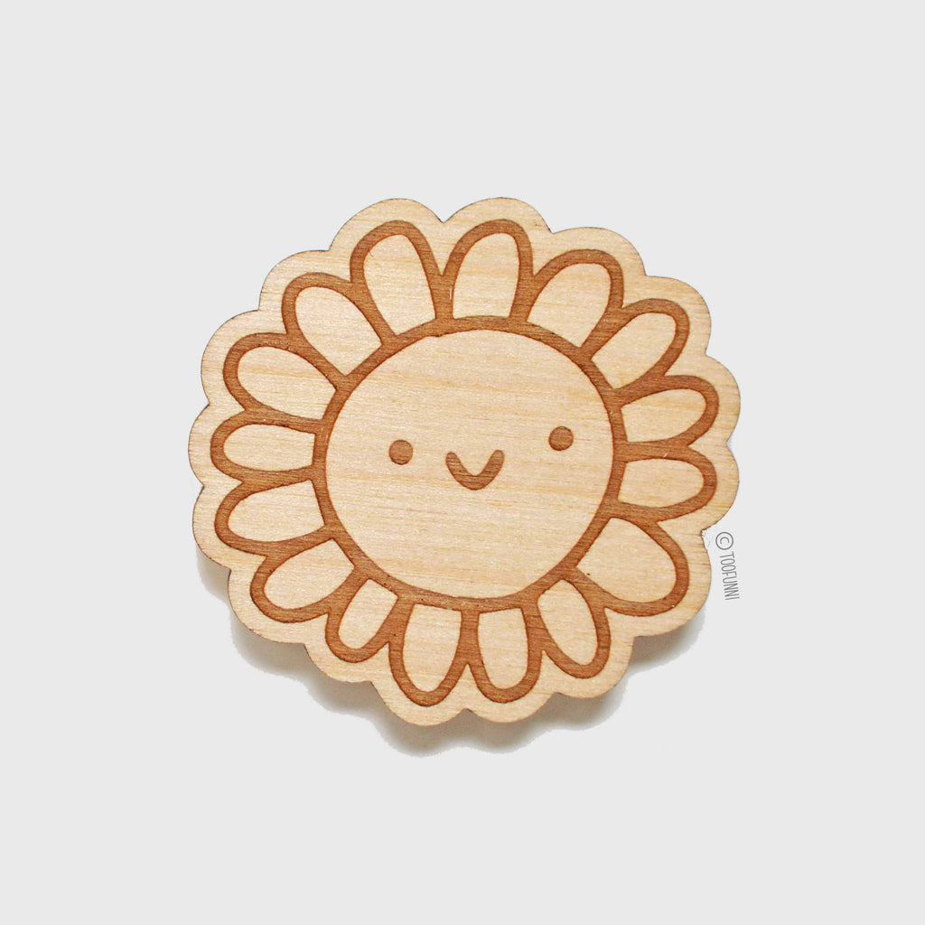 DAISY FLOWER - Wood Keychain or Magnet