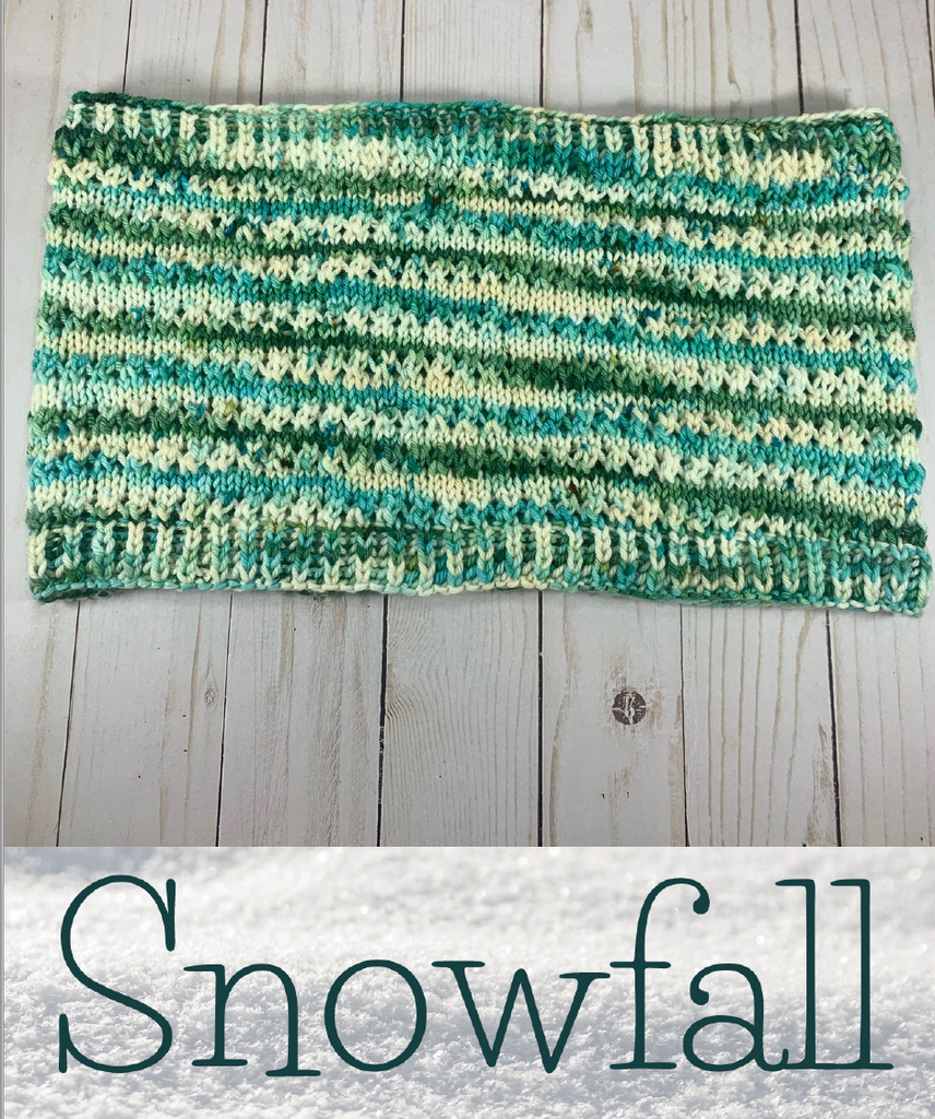 2020 Holly Days: Snowfall Cowl
