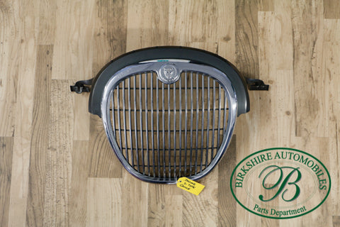 Jaguar S Type front Grille part # XR847246. Fits Jaguar S types 2001-2004
