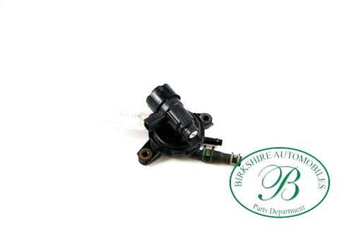 Jaguar Emission Purge Solenoid part # LNC 1515AA. Fits 1998-2000 Jaguar XJ8