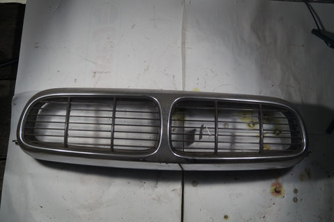 USED JAGUAR  GRILLE MOLDING WITH SLATS PART #2W93-8A100A. FITS JAGUAR XJ8,XJR 2004-2007.