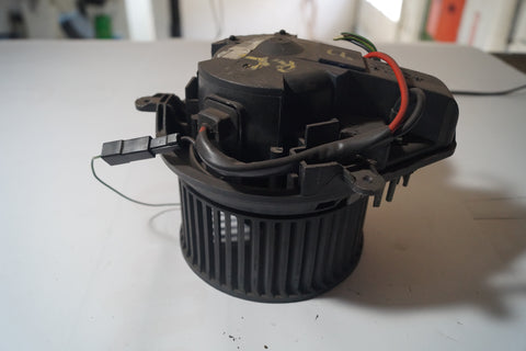 USED LAND ROVER HVAC BLOWER MOTOR PART #STC4304. FITS RANGE ROVER 1995-2001