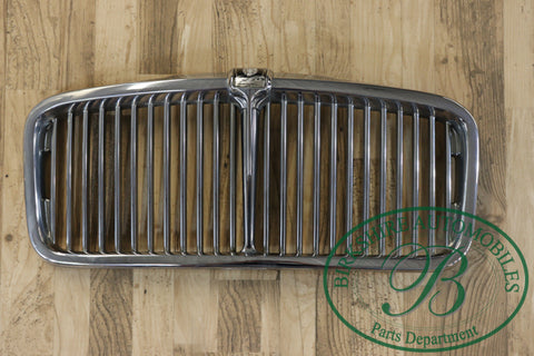 Jaguar series III vain type front grille assembly
