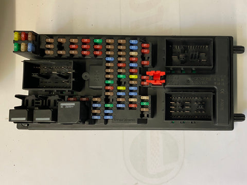 USED LAND ROVER FUSE BOX BODY CONTROL MODULE PART #YQE500350. FITS LAND ROVER LR3 2005-2009, RANGE ROVER SPORT 2006-2009