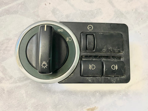 USED LAND ROVER HEADLIGHT FOG LAMP DIMMER SWITCH PART #LRGYUD000161PUY. FITS RANGE ROVER 2003-2006
