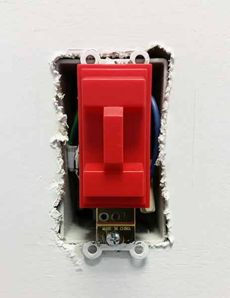 Likwid Concepts - Couvert d'interupteur / Light Switch Cover