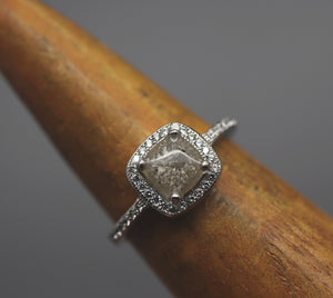 halo ring with cremation ashes
