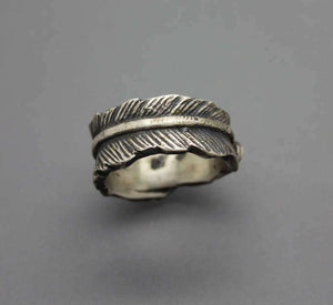 Feather Cremation Ring - Ashley Lozano Jewelry