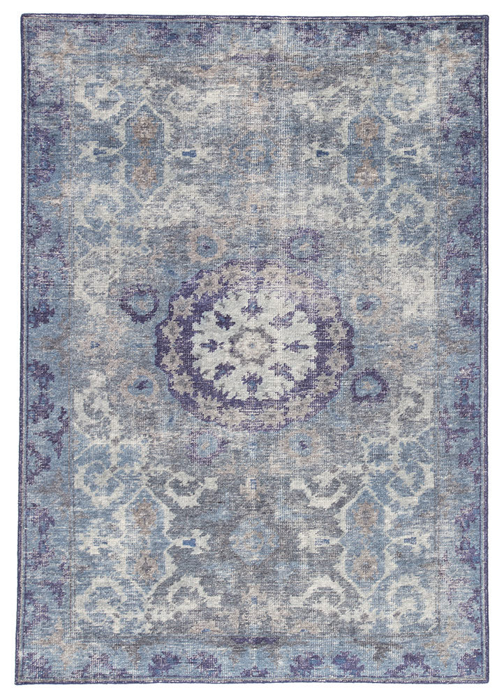 When a traditional design motif is modernized and imbued with sophisticated shades of Moonlight Blue and Peacoat for a gently aged look, the result can only be called vintage chic. Modify from the new Kai Collection is hand-knotted in 100% wool for exceptional quality and an exquisite, timeless look.  Hand-Knotted 100% Wool KAI06