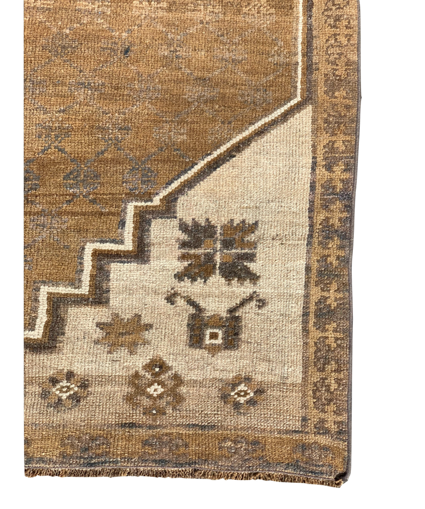 "The Keiko Vintage Area Rug is in beautiful condition and size. This hand knotted vintage Turkish Oushak area rug is easy to care and maintain and will have very little shedding. The rug is a perfect fit for an entryway, bathroom, back door, laundry room, bedroom, or any other place!  Hand Knotted 100% Wool 6'8"" x 9'8"""