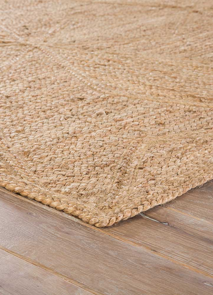 This rug will be comfortable in any setting. 100% natural jute is spun and intricately woven to create this collection.  Naturals Construction 100% Jute NAT23