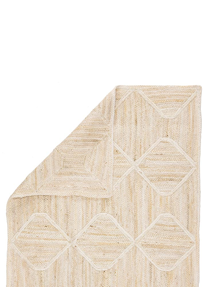 The Naturals Tobago collection delivers rich texture and organic allure to contemporary homes. The Sisal Bow area rug showcases a chic diamond trellis design, hand woven of jute. The mix of ivory and golden tones on this stunning natural lends a contemporary vibe to any space.  Naturals Construction 100% Jute NAT41