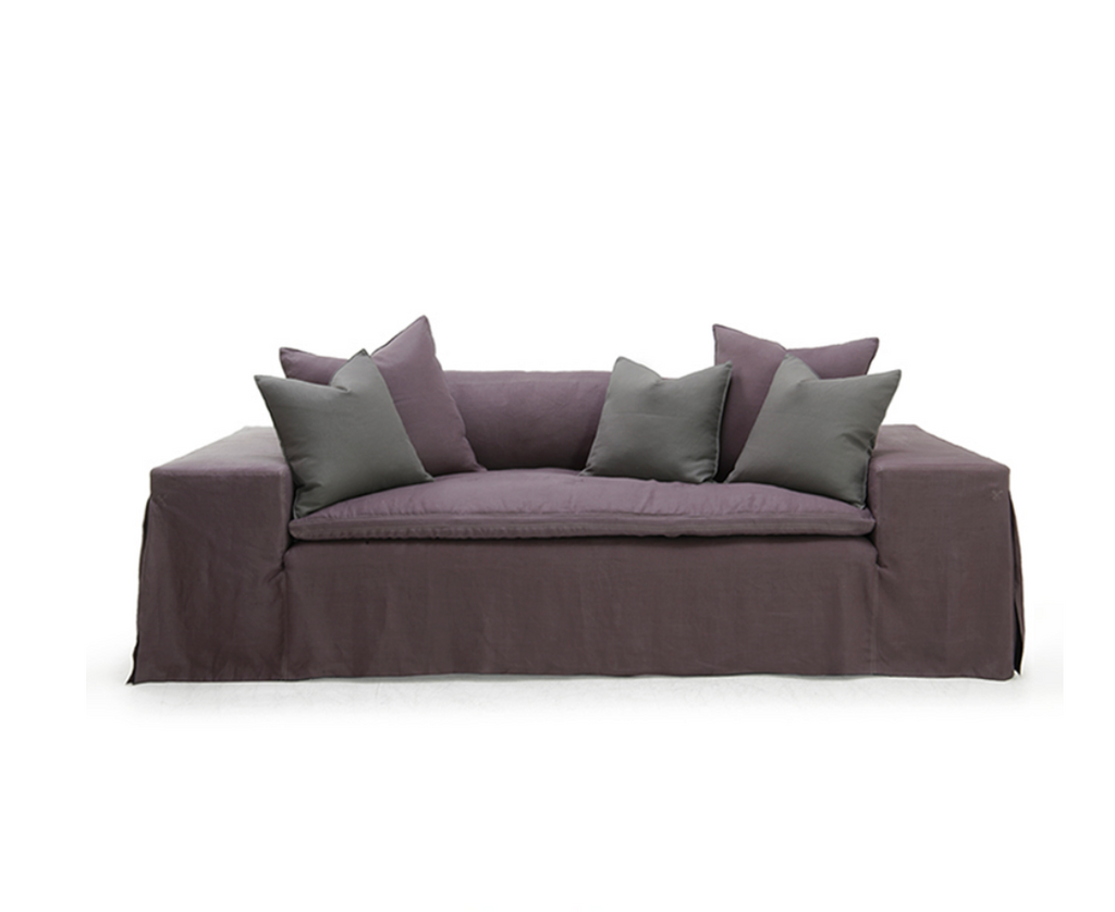A Verellen classic, the Gavin Sofa Family features Tight upholstered deck with quilted seat pad Single boxed back pillow Large toss pillows with 3″ open flange Optional pintuck detail on outside arms and back Double needle stitch detail Please specify leg finish. Also available as a sectional.