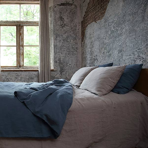 The Stone Washed Deep Pocket Fitted Sheet - Taupe by LinenMe is a pure linen fitted sheet your back will say thank you for! It is extremely soft, absorbs moisture quickly, dries fast, can be machine washed as frequently as needed and gets even softer after each wash.  Ships from LTU and will take between 30-45 days.