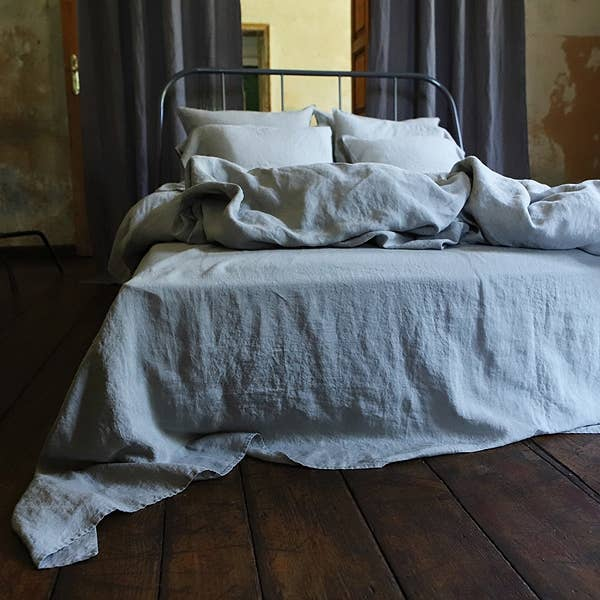 This Stone Washed Flat Sheet - Taupe by Linenme is a pure linen flat sheet your back will say thank you for! It is extremely soft, absorbs moisture quickly, dries fast, can be machine washed as frequently as needed and gets even softer after each wash. Can be used as top sheet.  Ships from LTU. Please allow 30-45 to get to your home.
