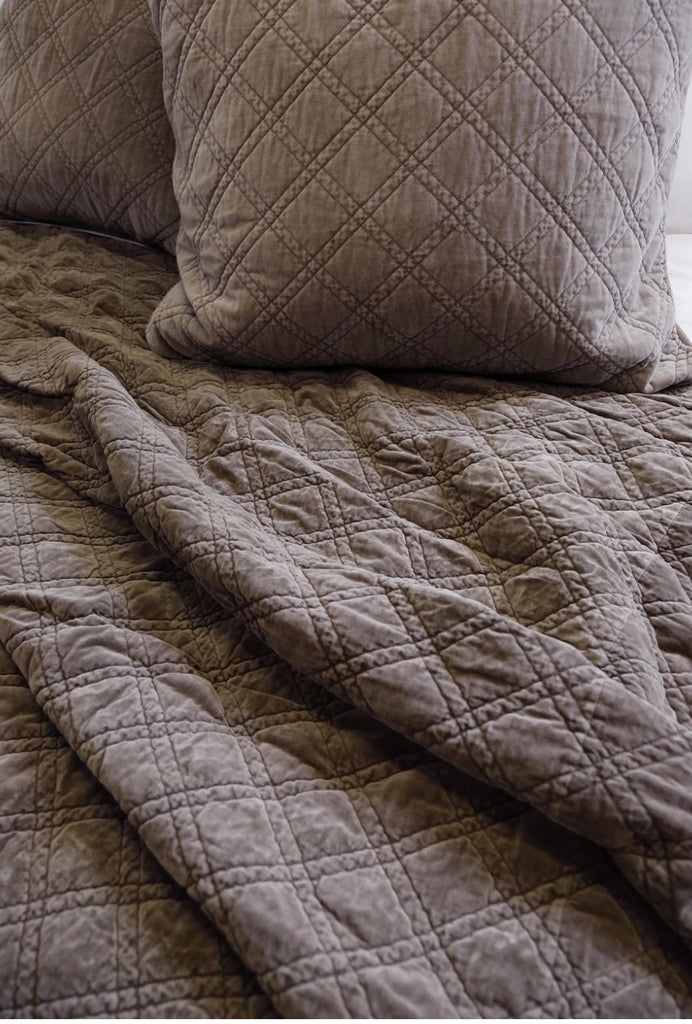 Brussels Coverlet Bedding Pewter - Amethyst Home