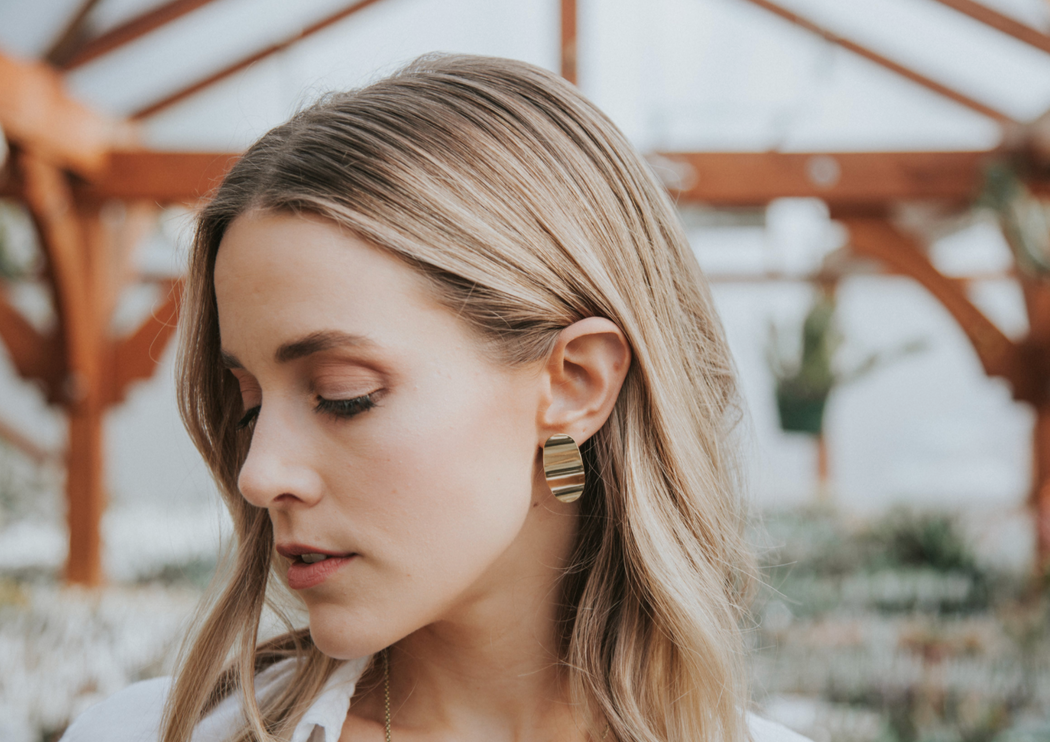 GOLD CACIA EARRINGS | MLKANHNY