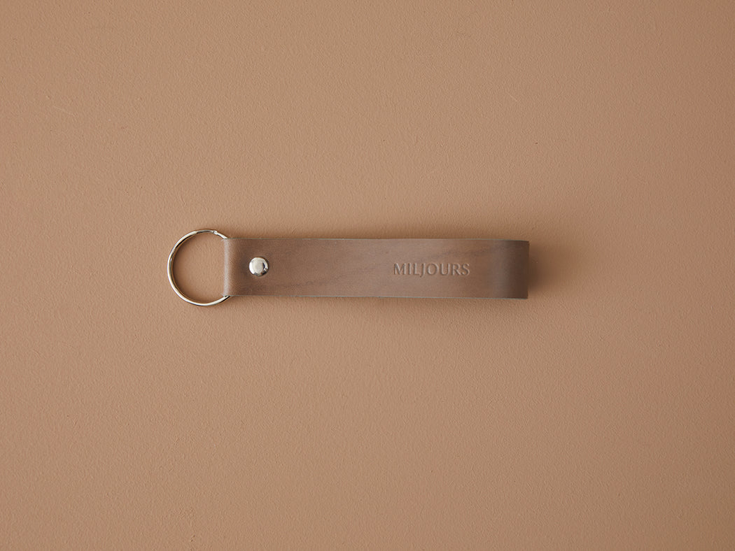TAUPE LEATHER KEYCHAIN | MILJOURS STUDIO