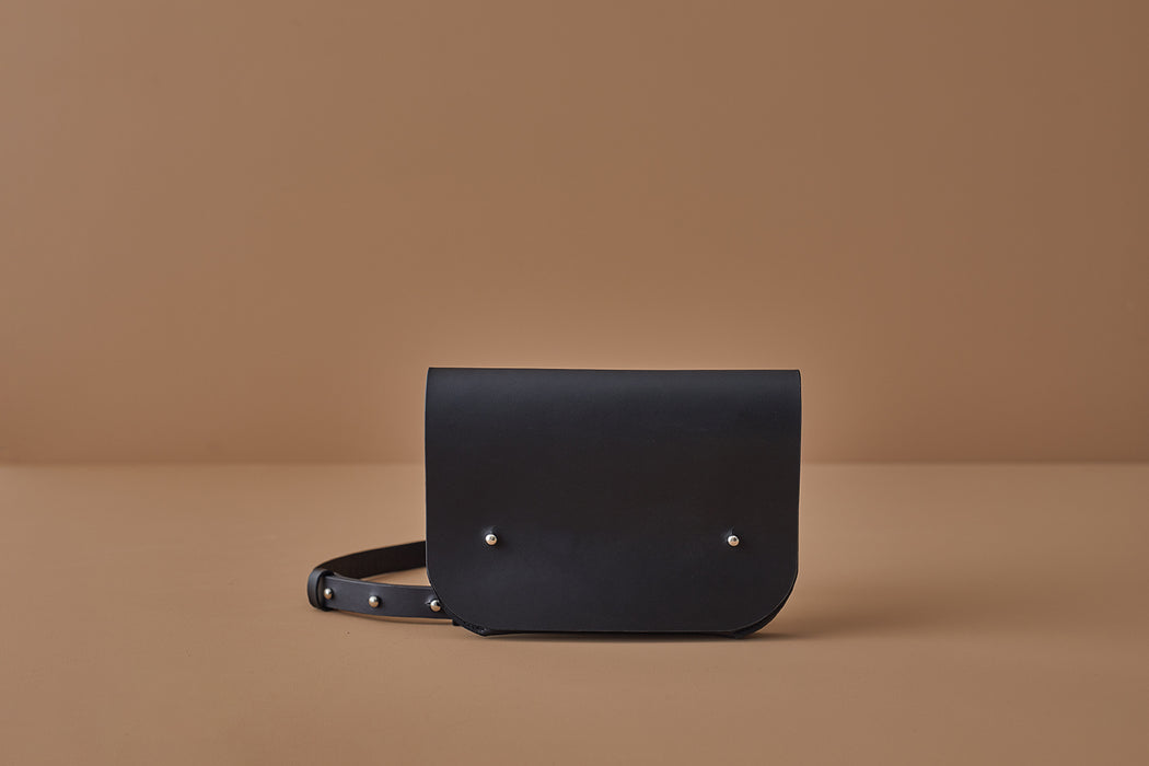 BLACK LEATHER CROSSBODY BAG | MILJOURS STUDIO