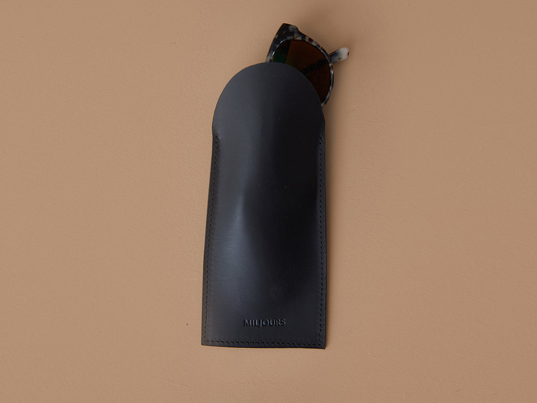 BLACK GLASSES CASE | MILJOURS STUDIO