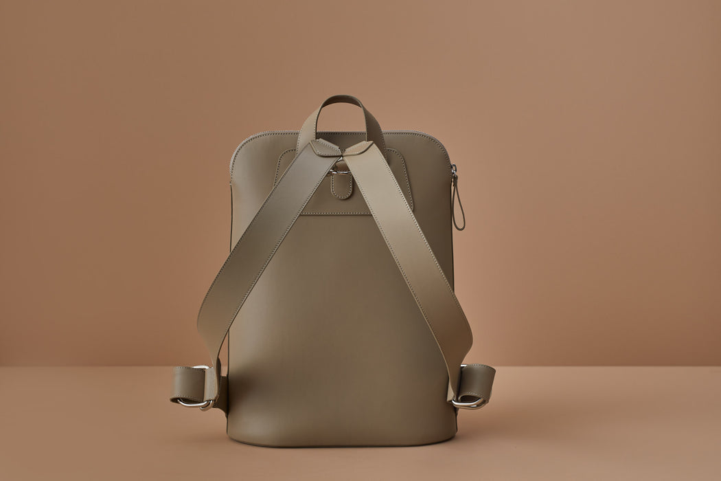 TAUPE LEATHER BACKPACK | MILJOURS STUDIO