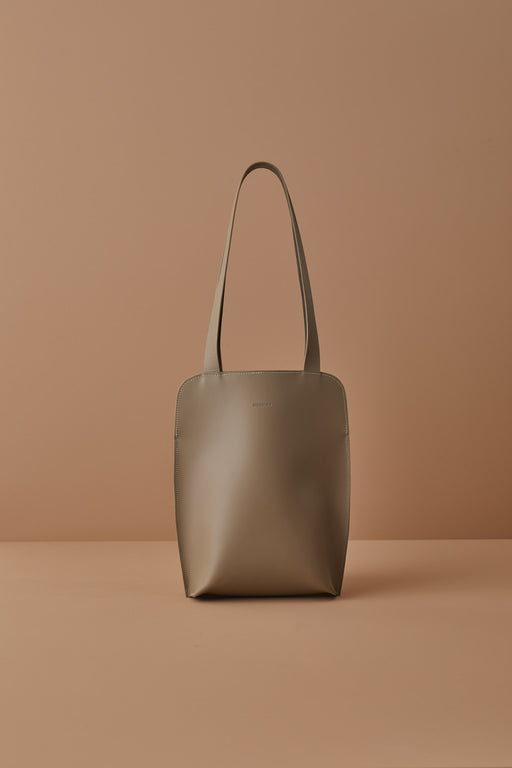 TAUPE LEATHER TOTE BAG | MILJOURS STUDIO
