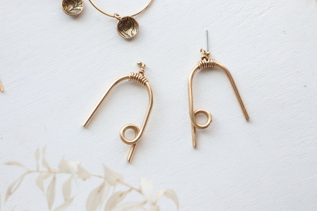 GOLD LOOPY EARRINGS | SOUVENIR HANDMADE