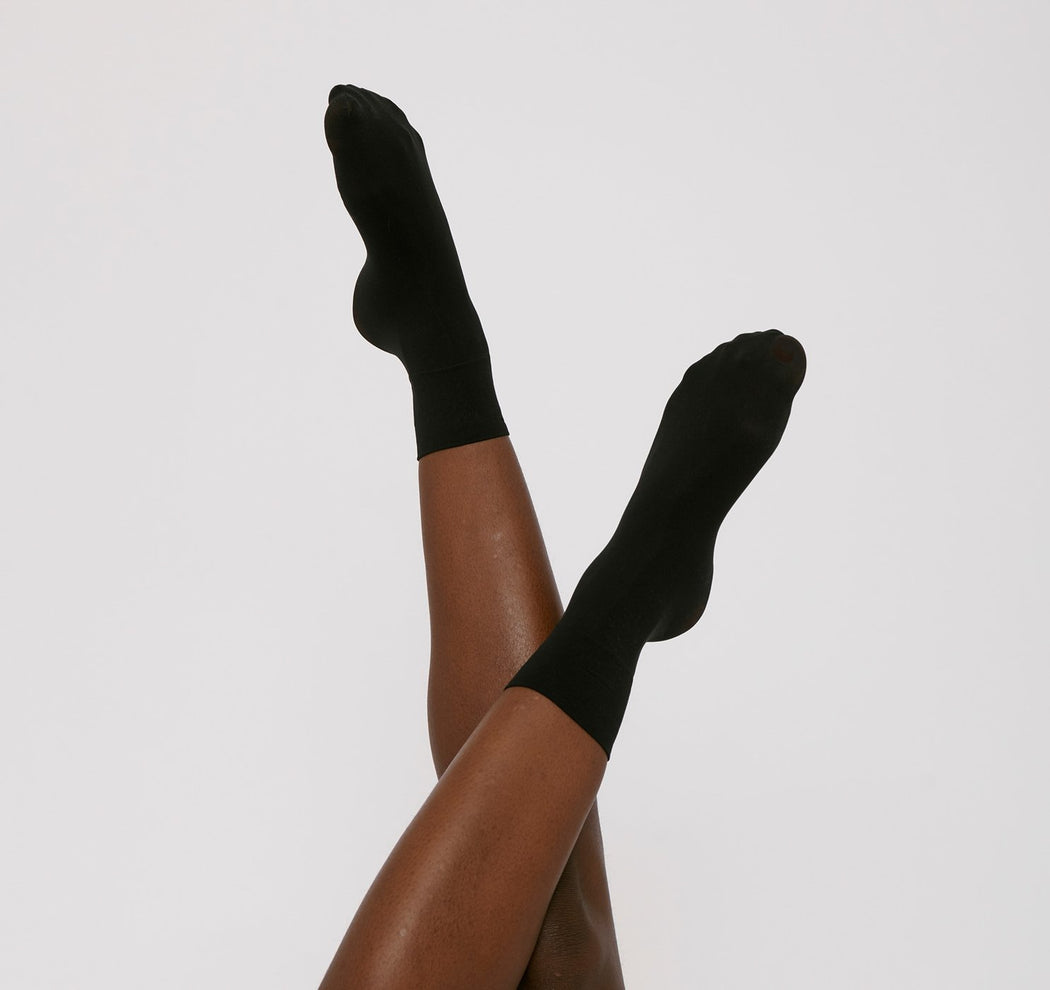 BLACK SHEER SOCKS
