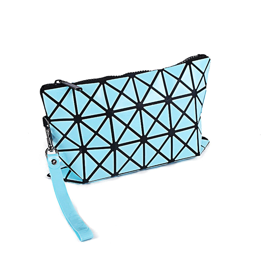 Geometric Expressly-Noted Clutch