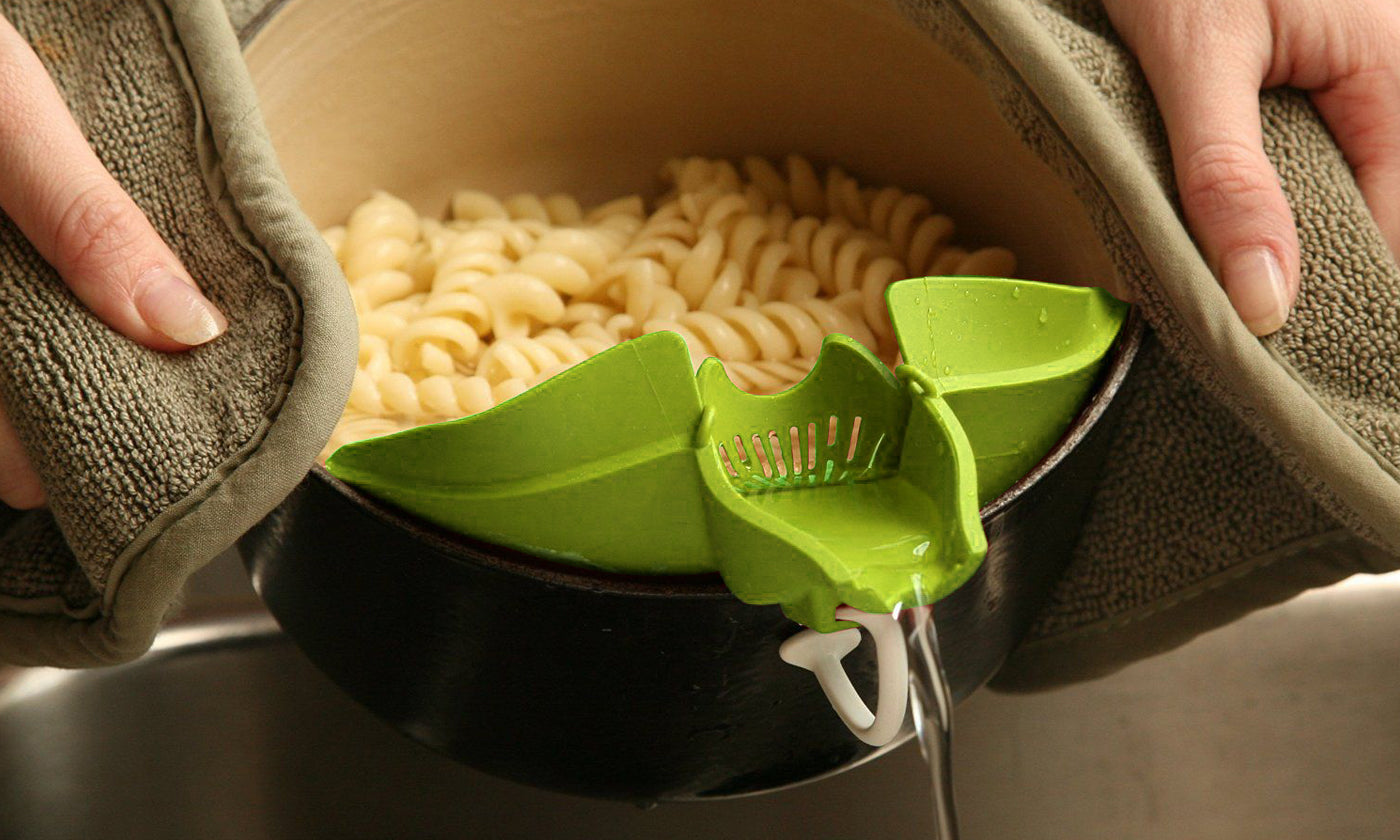Heat Resistance Easy Snap Silicone Kitchen Strainer