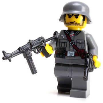 German World War 2 MP40 Soldier - Custom LEGO Military Minifigure