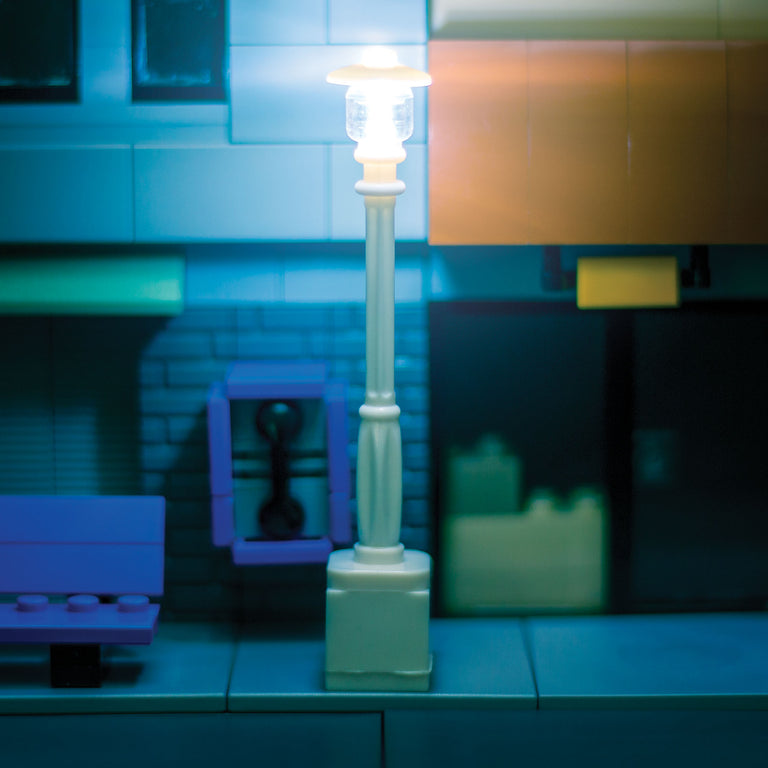 Light-Up Lamp Post (White)