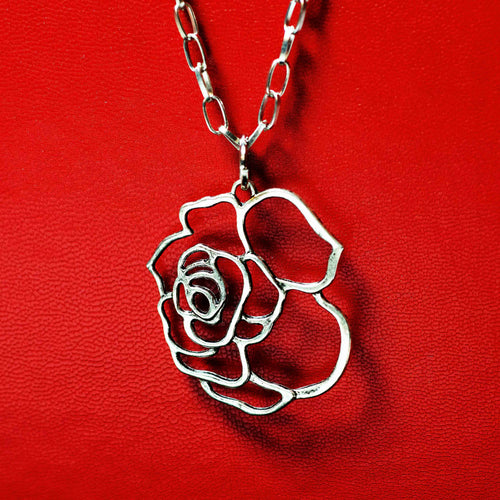 Rose silhouette – long necklace
