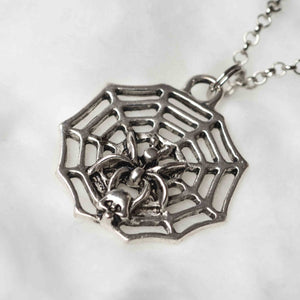 An adhesive web of love – short necklace