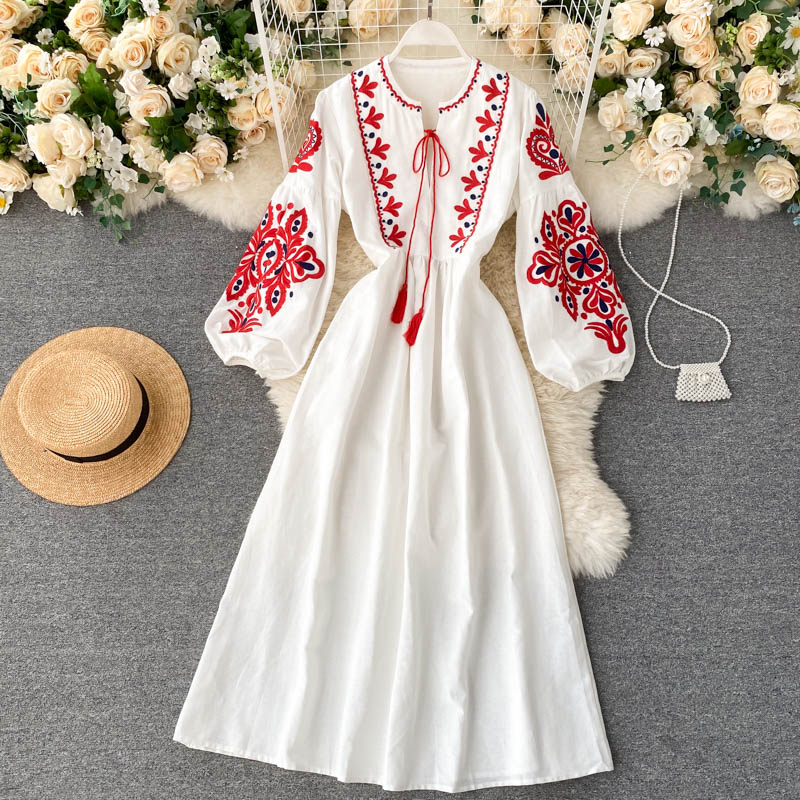 Lantern sleeve embroidery dress(3 colors)