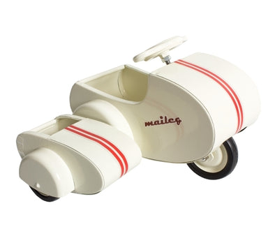 Maileg Metal Scooter white