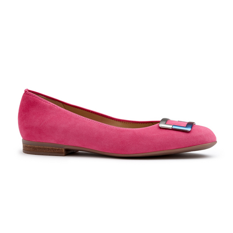 31332 Flats in pink from Ara.