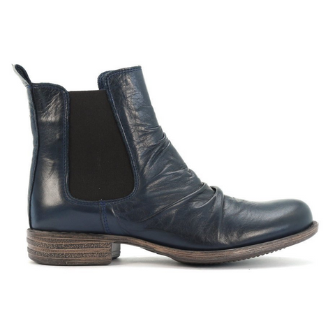 Willo Boots in Navy by Eos