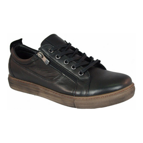 EG1520 sneakers in black from Cabello
