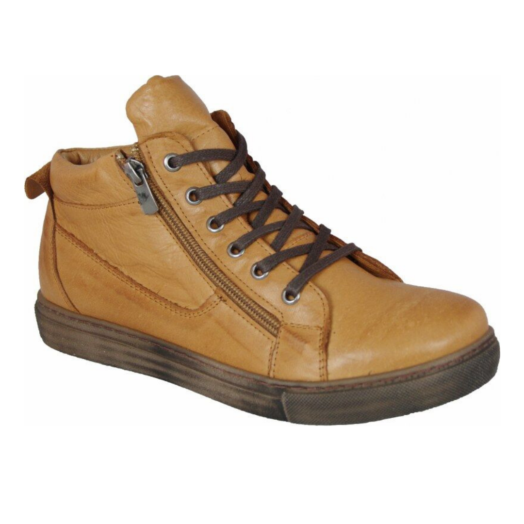 EG1570 Boots in Tan by Cabello