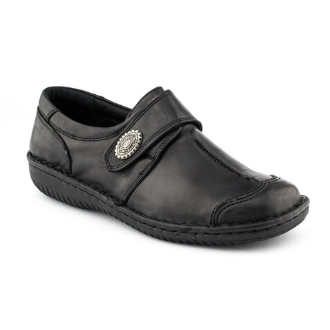 5072-27 Slip-ons in Black from Cabello