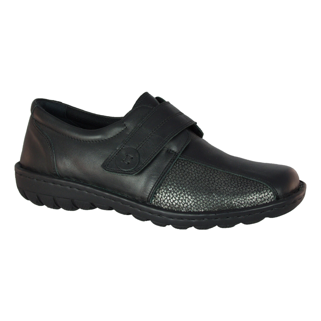 CP345-32 Slip-ons in Black from Cabello
