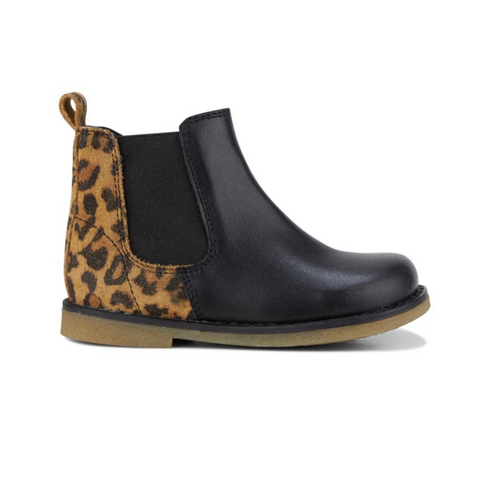 Clarks Chelsea Boots Infant Size in Black Leopard