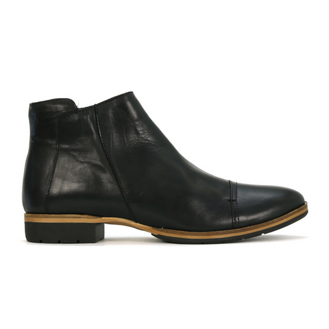Gaio Boots in Black by Eos